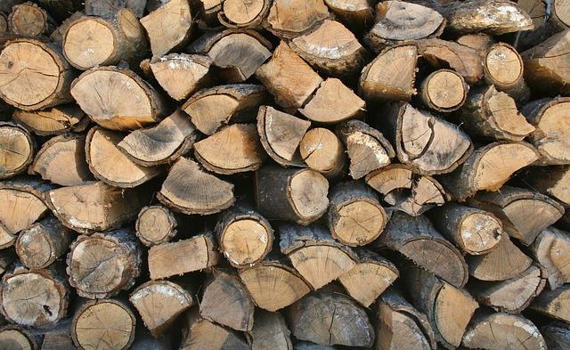 firewood-599141_640