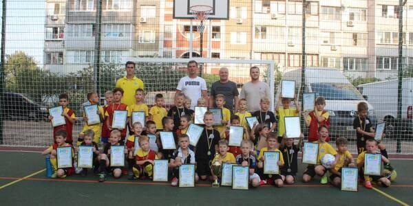 У Дарницькому районі відкрили футбольне поле і провели дитячий турнір
