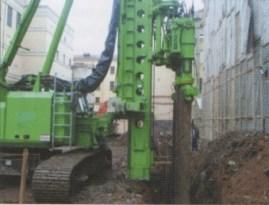 Установка BANUT 655 на площадке строительства бизнес-центра: вдавливание шпунтовых свай