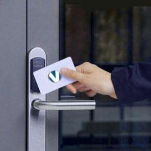 Toegang met pas of ID-tag beveiling