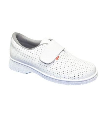 Fehér, higiéniás cipők és papucsok