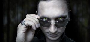 Признаки-психического-вампира-и-как-с-ними-справиться