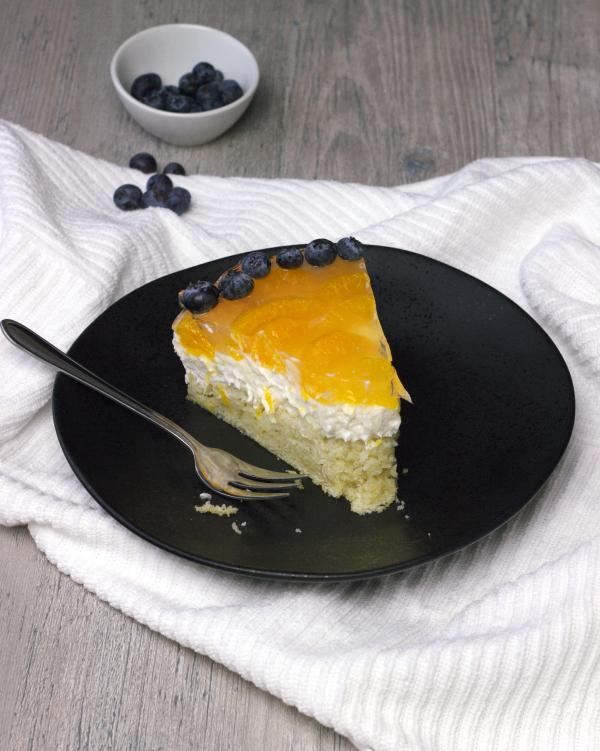 Vegan unbaked cheesecake with mandarin oranges