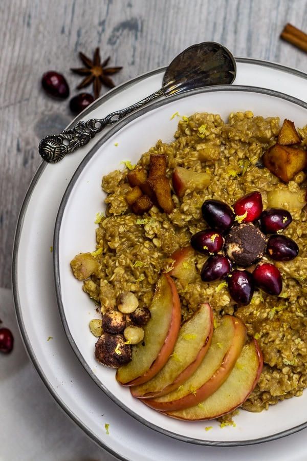 Vegan Baked Apple Cinnamon Oatmeal with marzipan is a warming breakfast perfect for the cold season