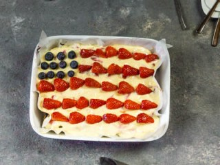 Vegan 4th of july Dessert with Strawberry & Blueberry
