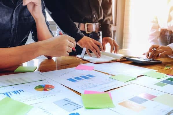 5 ejemplos de planes de comercialización para ayudarte a escribir el tuyo – Veeme Media Marketing