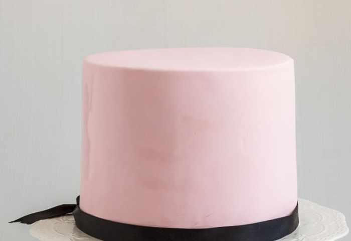 14 Tips For Working With Fondant Tips And Tricks Veena Azmanov