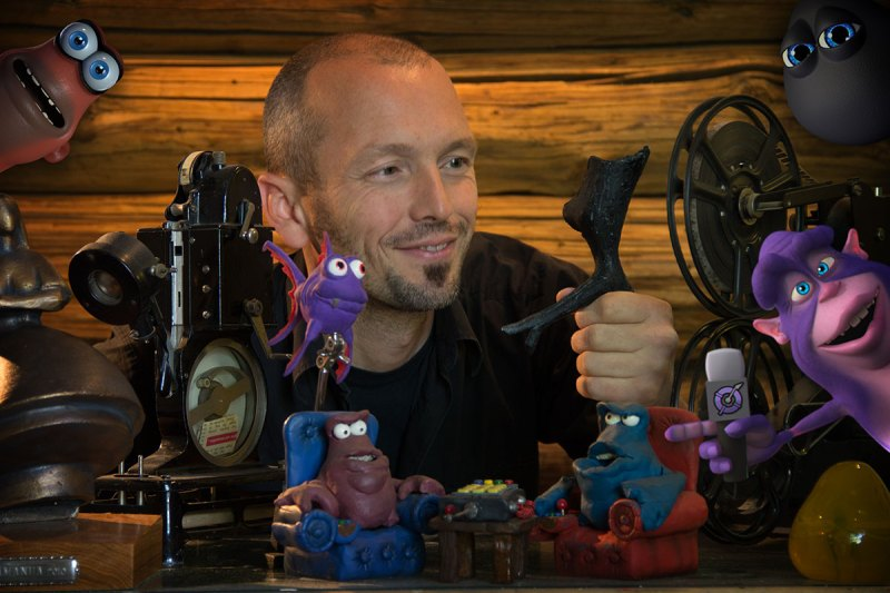 Peter Spence Pushes All The Right Buttons On Virtual Reality