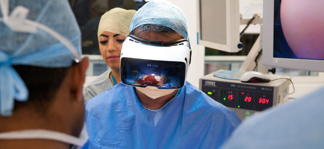 Top 5 VR Healthcare Solutions: How Is Virtual Reality Helping People?