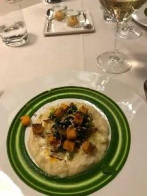 Ombelico del mondo - risotto con arance, pesto di cime di rapa e pistacchi