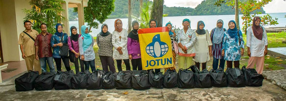 The Historic Vessel Vega invited all the traditional midwifes on the Banda Islands to participate in Dr. Ruth Indiras midwife workshop.
