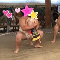 住吉神社の赤ちゃん土俵入り。孫の初体験。