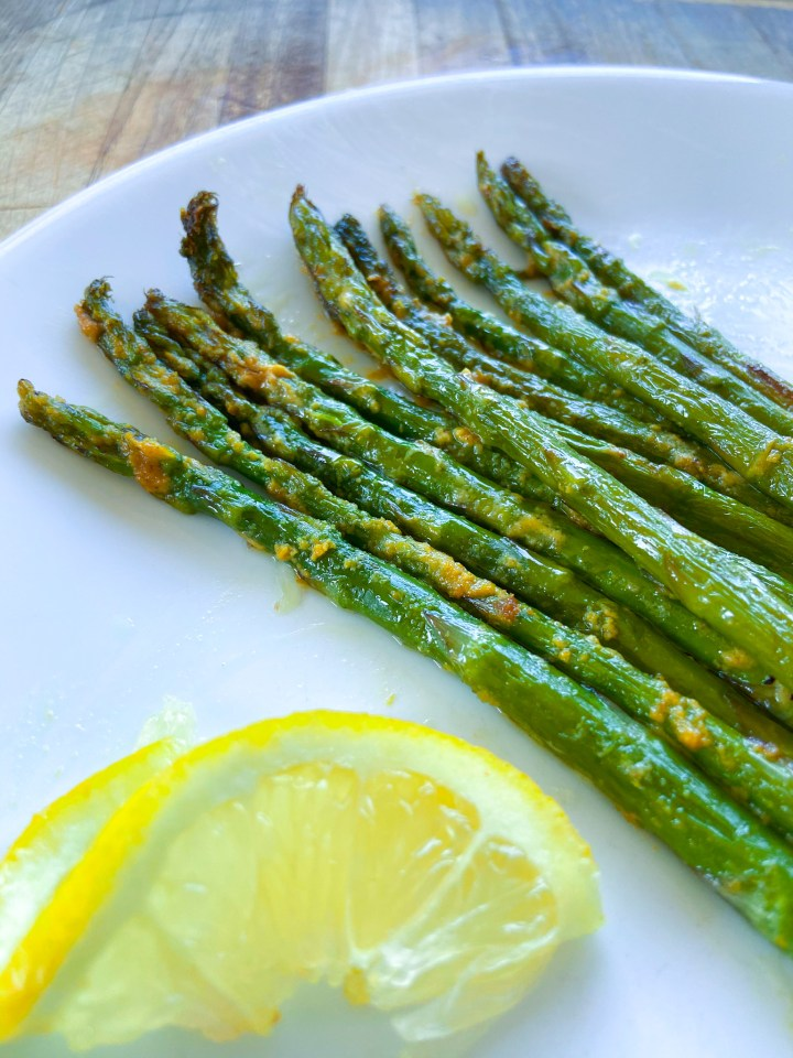 Easy Vegan Parmesan Asparagus