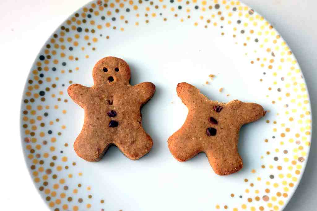 These adorable Gingerbread Men Cookies are the perfect festive holiday treat! Made with buckwheat and oat flours, these vegan and gluten free goodies are sweetened with coconut sugar, resulting in a refined sugar free Christmas cookie that you can feel good about munching on at any time of day. Cookies for breakfast, anyone?