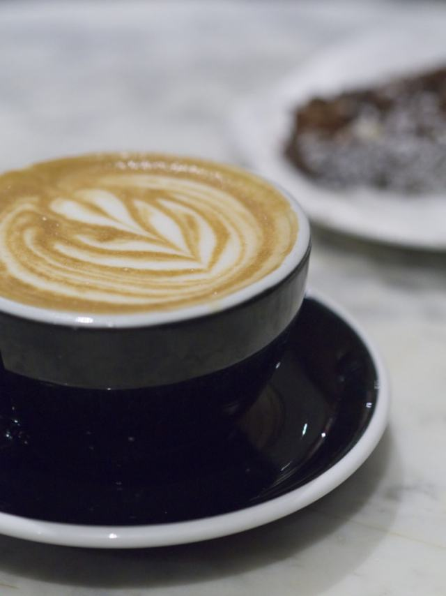 Coffee and vegan cake at Burr and Co