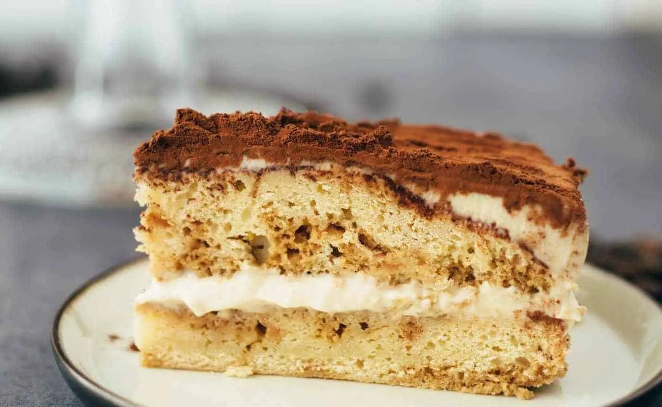 Leicht Kuchen Rezepte Schneller Becher Blechkuchen Mit Knuspermandel