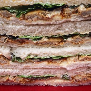 sandwiches with Squaky Bean chicken-style pieces