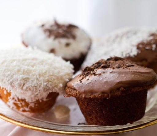 black-swan-cupcakes