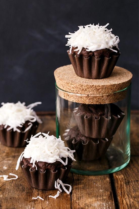 vegan-coconut-cupcakes