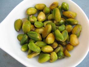 Blanched_pistachios
