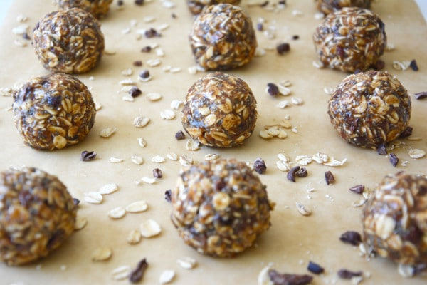 Oatmeal-and-Almond-Butter-Bites