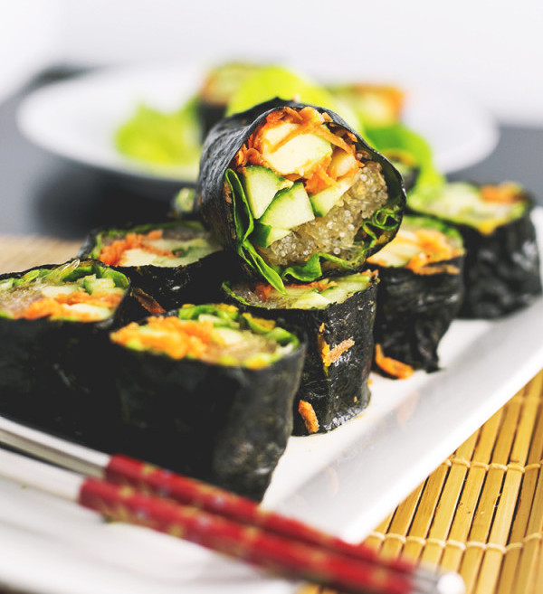 Raw-Sushi-with-Kelp-Noodles-and-Tahini-Soy-Dipping-Sauce