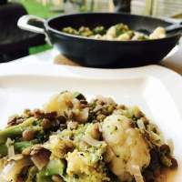 Linzen-Broccoli Curry met Bloemkool