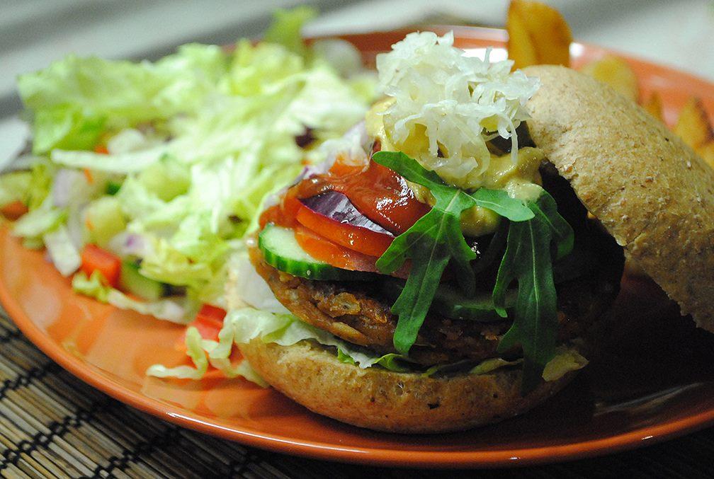 a kozmosz vegán étterem hamburgere