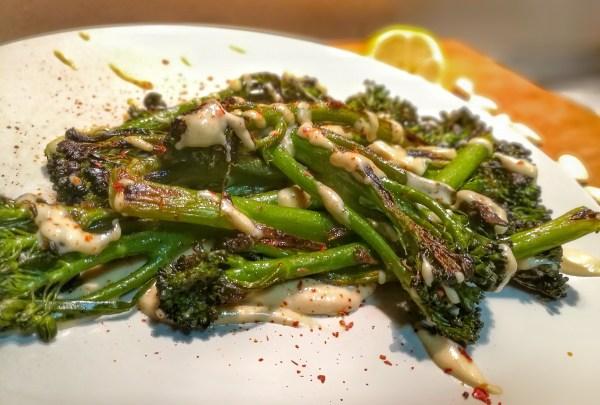 ¿Como cocinar el bimi? Recetas de Bimi o Brocolini con salsa de tahina ¡Una cena vegana rapida!
