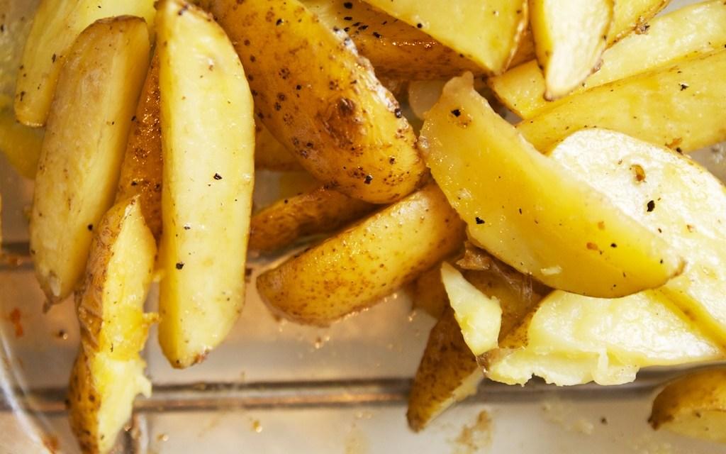 Aardappelpartjes met rozemarijn uit de oven