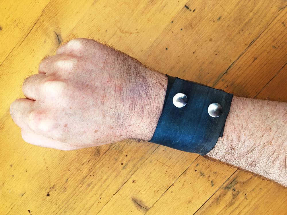 armband rubber van fietsband met drukknopen