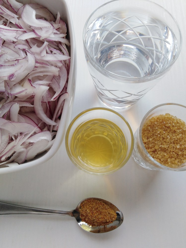 Ingredients: red onions, water, oil, sugar and salt