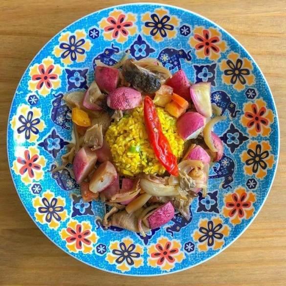 Salada Morna de Rabanetes e Cogumelos ao Vinho - Receita Vegana