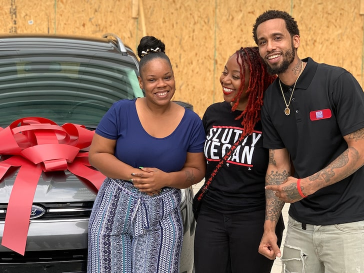 Slutty Vegan owner Pinky Cole giving a car to Rayshard Brooks' widow