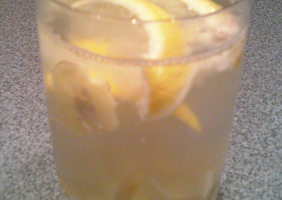 """Fresh Ginger Lemon """"Honey"""" Tea"""