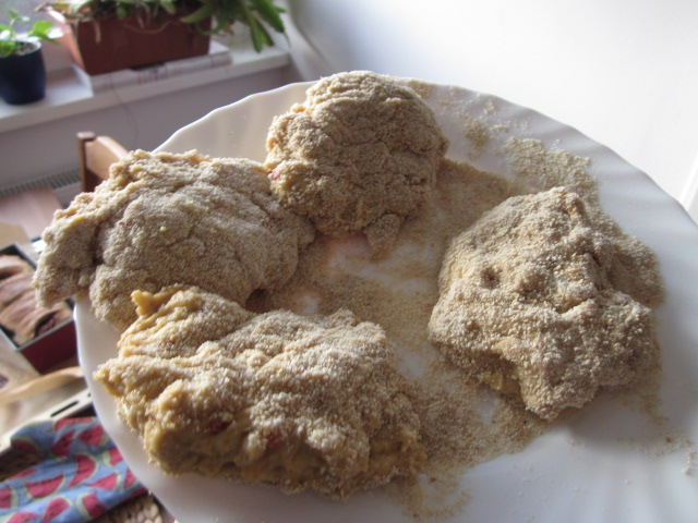 How to Turn Bread Flour Into Meat: Seitan, the Old-Fashioned Way (A Visual Adventure)
