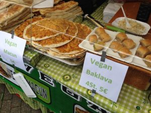 Vegan Turkish Pizza Solingen Vegfest - Vegan Nom Noma
