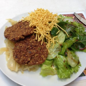 Quintal Bioshop Salad and Burgers Porto - Vegan Nom Noms