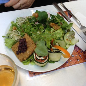 Quintal Bioshop Salad and Raw Rollups Porto - Vegan Nom Noms