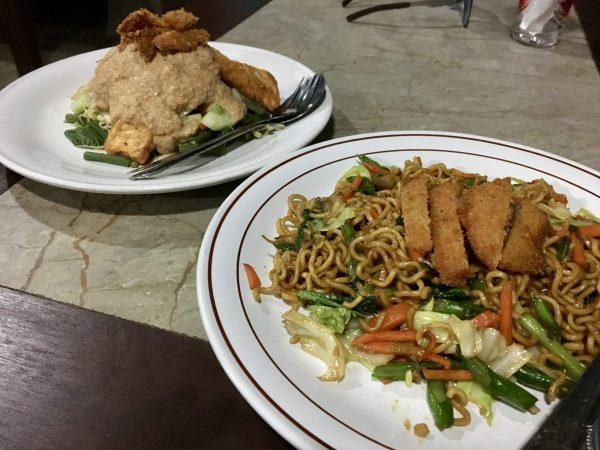 Siboghana Waroeng Ubud Vegan Gado Gado and Nasi Goreng