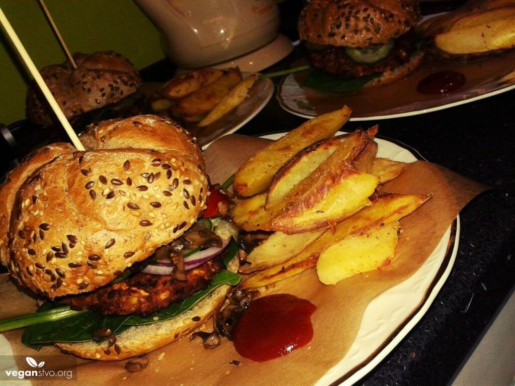 Skvelý fazuľový burger s hubami