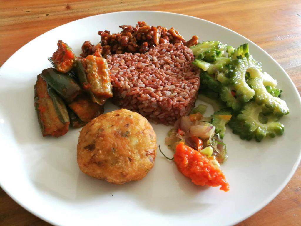 Plate of vegan Balinese food