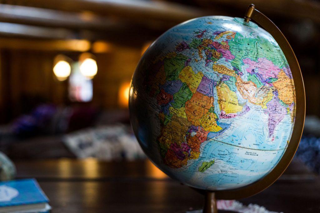 globe of vegan countries