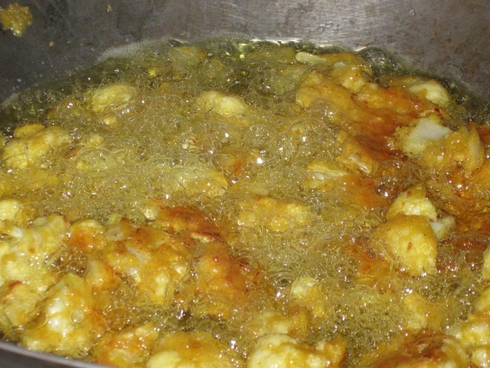 Cauliflower Pakora (or as I like to call it - Vegan Popcorn Chicken!)  (3/3)