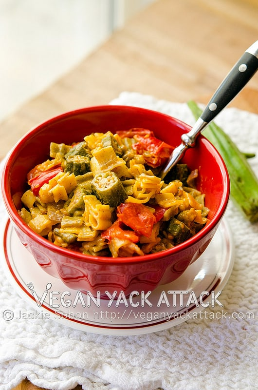 Comforting, creamy, Cajunmac 'n' cheese, filledwith spice, and all kinds of Cajun flavors.