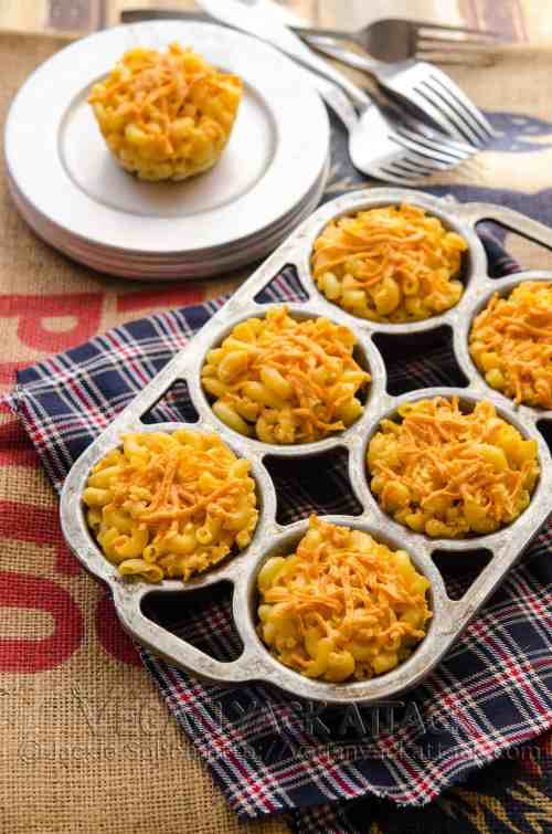 A delicious and comforting appetizer that brings back memories of your childhood. Mac 'n' Cheese Veggie Dog Bites!