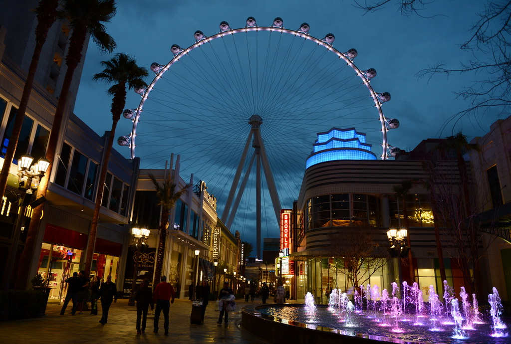 High Roller Las Vegas - Photo by Denise Truscello