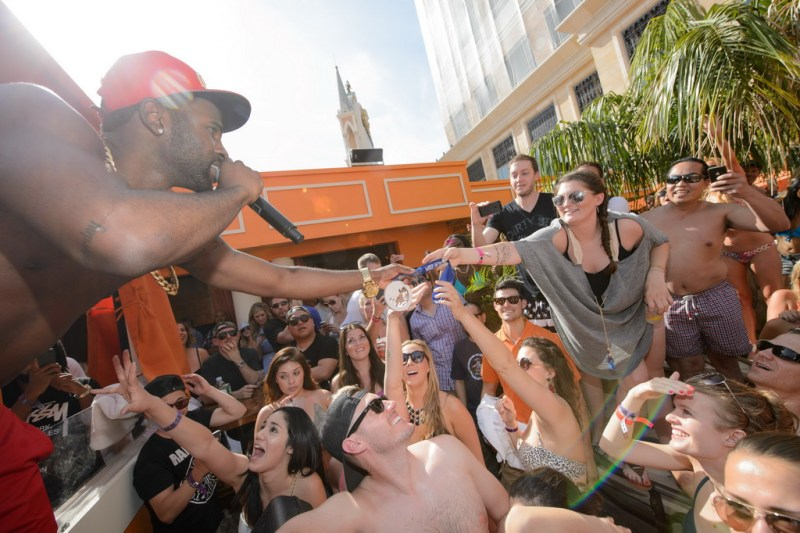 Jason Derulo hosts TAO Beach