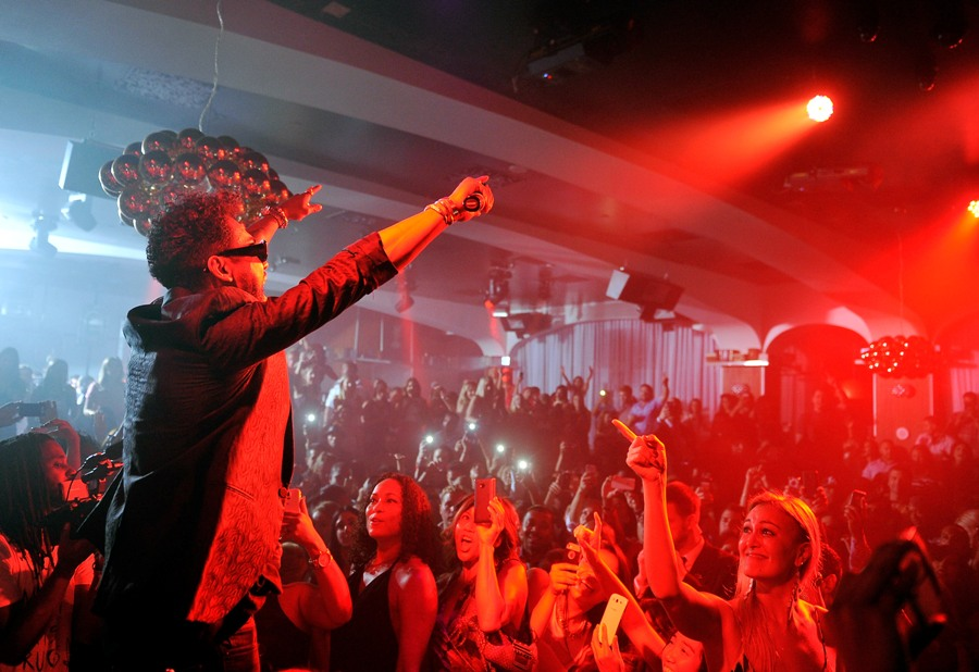 Miguel pumps up the crowd at Hyde Bellagio