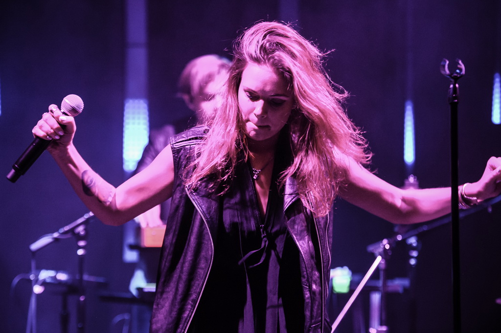 Tove Lo performs to a packed crowd at The Sayers Club Grand Opening (Aug. 28, 2014: Brenton Ho/Powers Imagery)